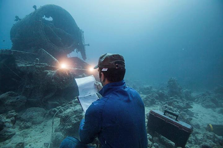 Opération de maintenance sous-marine