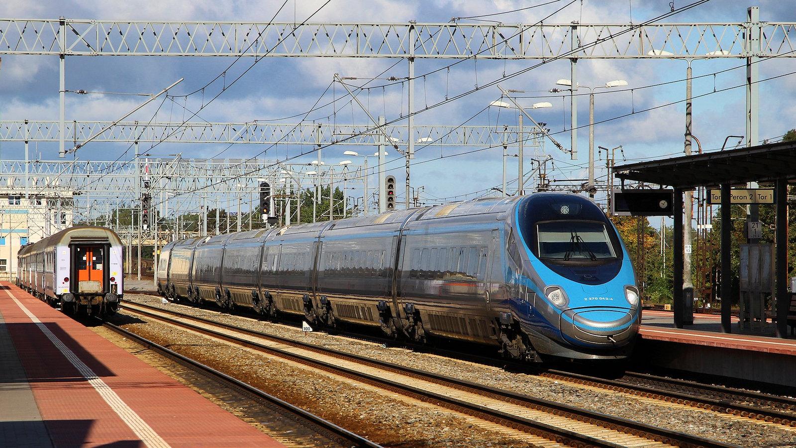 Pendolino, le «TGV» Italien qui ravit le rail polonais