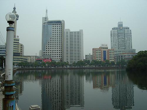 Démonter un pont en une nuit : tour de force en Chine